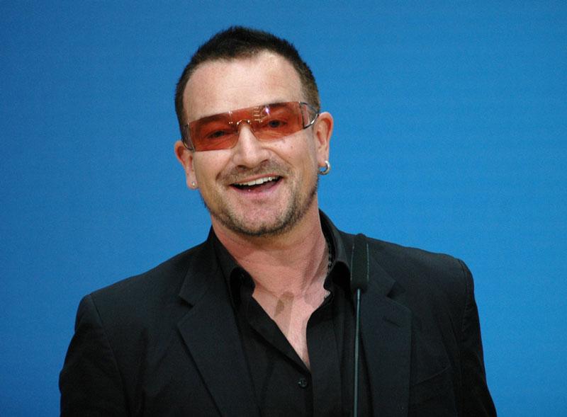 #Violetaenlahistoria: Un día como hoy nació Bono, cantante de la banda U2