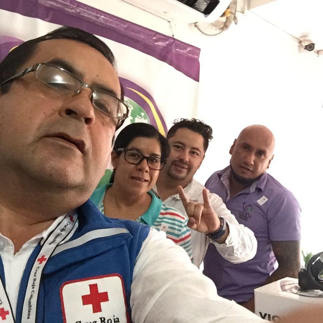 #EnAudio #MePongoLaBanderitaPor campaña de @CruzRojaCas para el fortalecimiento de su labor humanitaria.