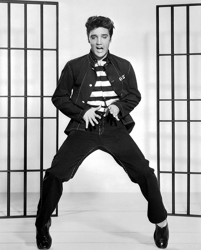 #Violetaenlahistoria: Un día como hoy Elvis realiza por primera vez su provocativo baile
