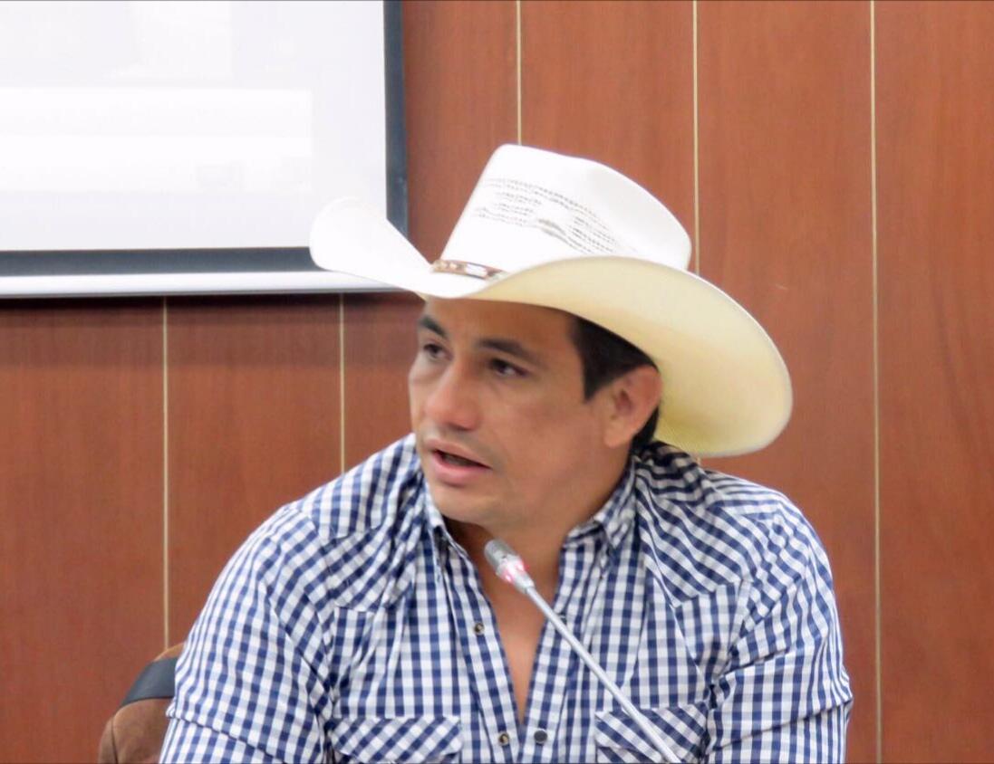 #EnAudio Gobernador de #Casanare Alirio Barrera señaló que inicia proceso de titulación de tierras. Inicialmente son 411 Beneficiados