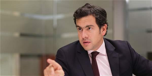 #EnAudio El presidente de la Cámara de Representantes Rodrigo Lara, señaló que Reforma Política no resolverá de fondo los problemas del país.
