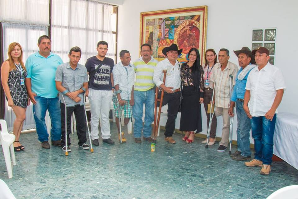 12 casanareños volvieron a caminar gracias a Fundación Mahavir Kmina