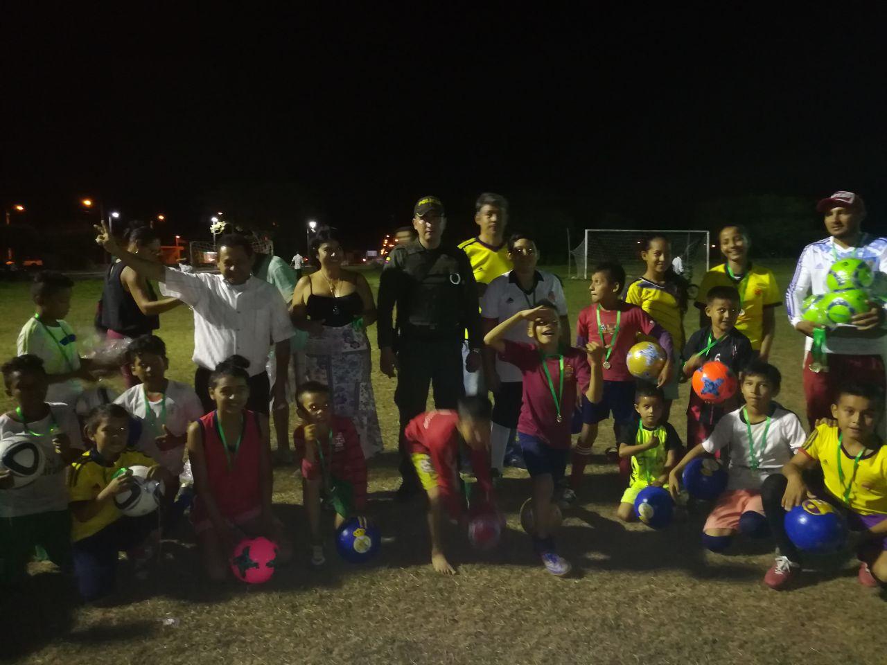 Policía e Instituciones llevaron alegría a los niños del sector urbano de Hato Corozal