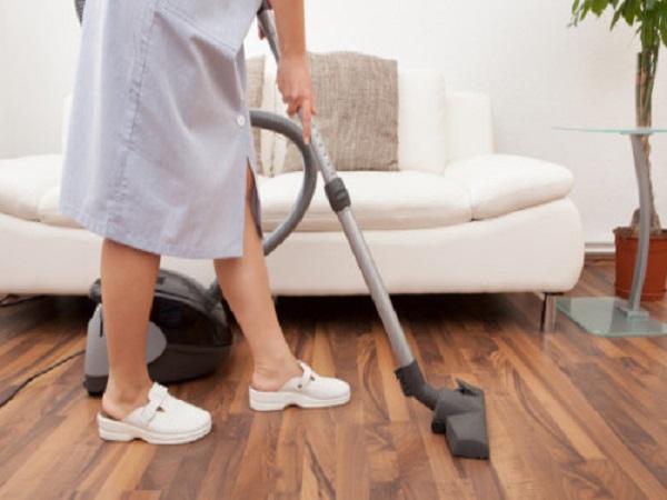 Antes del 30 de junio, empleadores deben pagar la prima a trabajadores domésticos.