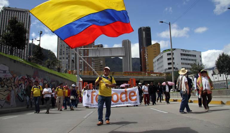 Profesores colombianos van a paro por 2 días, Yaneth Giha, ministra educación dice que esta decisión es absurda.