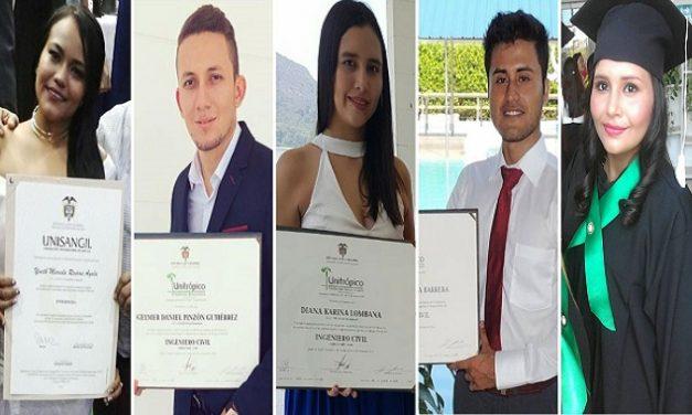 Becarios de Educa con Equión se graduaron como profesionales.