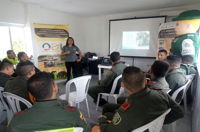 Policía ambiental lidera capacitación en manejo y conservación de armadillos.