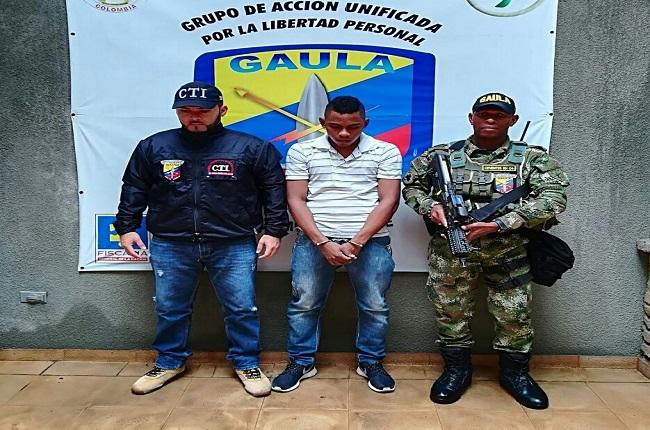 Capturaron a un hombre para que cumpla condena de 43 meses por el delito de extorsión.