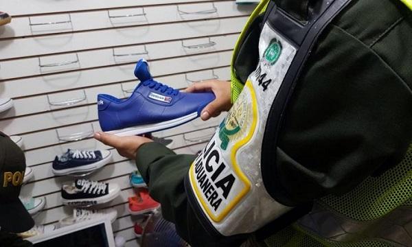 En Pore incautaron 150 pares de zapatos por no tener facturas.