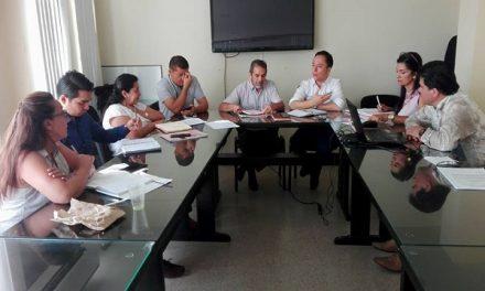 Alcalde de Yopal y sindicato de maestros discuten pliego de peticiones.
