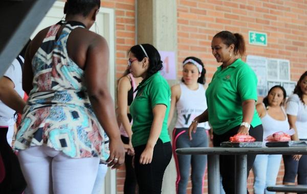 Internas del centro penitenciario y carcelario La Guafilla celebraron el Día de la Madre.