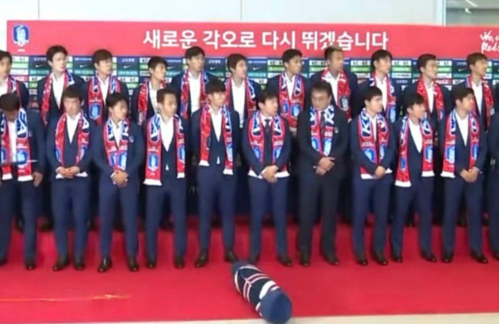 ¡A huevazos! El humillante recibimiento que tuvieron los jugadores de Corea del Sur