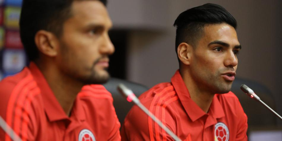 Falcao García y Abel Aguilar ponen el pecho y protegen al equipo