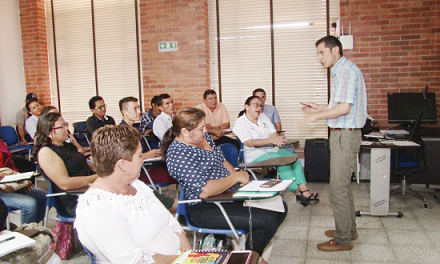 Comunales de Aguazul fortalecen sus conocimientos en construcción de planes de desarrollo comunitario.